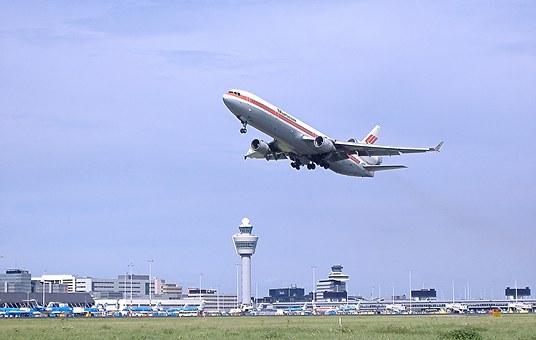 Inspectie moet duidelijk maken dat luchthaven RTHA niet boven de wet staat