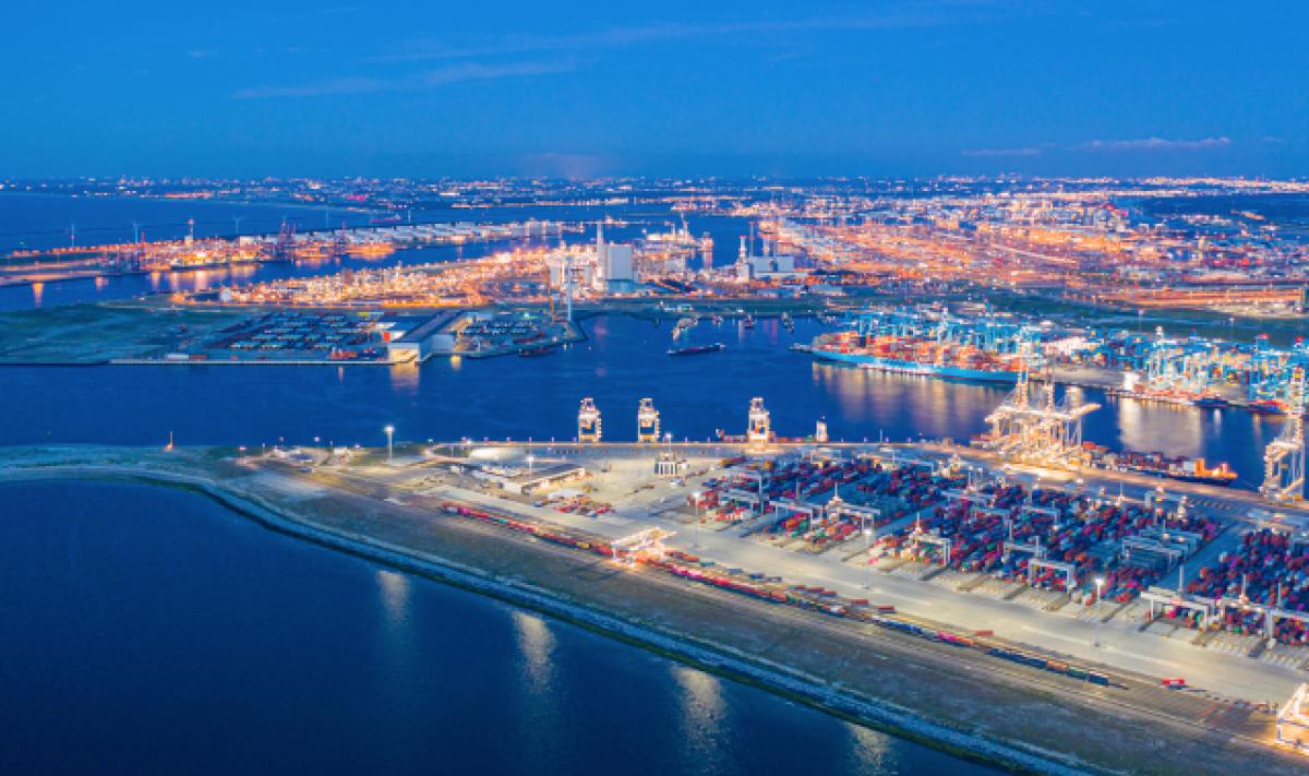 Welke verduurzamingsstappen zet het industriecluster Rotterdam-Moerdijk?