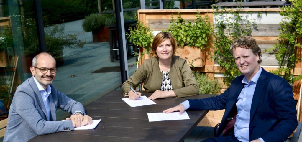 Natuur en Milieufederaties worden kennispartner van Coöperatief Energieplatform van Energie Samen en Rabobank